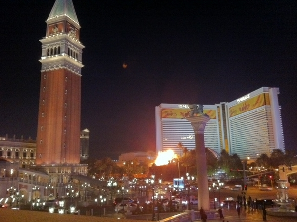 Leaving Venezia....Las Vegas.  #CES 2011 was a blast.  Theme: Tablet's gone wild, visibly everything's getting better and more connected.