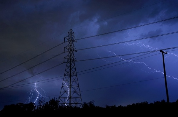 Tonights storms...this one made me flinch #txwx #satx @AnthonyTorresWX @JimCantore