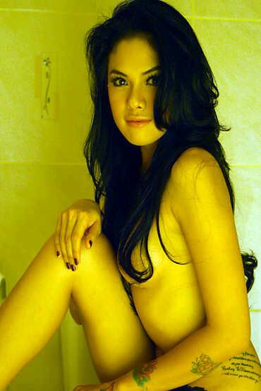 "(Part 2) ""Ekslusive"" Foto Topless Nikita Mirzani | pesanan @r_yandra"