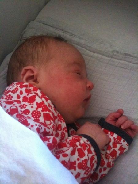 Hallo wereld, ze is er: Mijs Lile Hendriks is geboren! #tismaardatjehetweet # trotsepapa