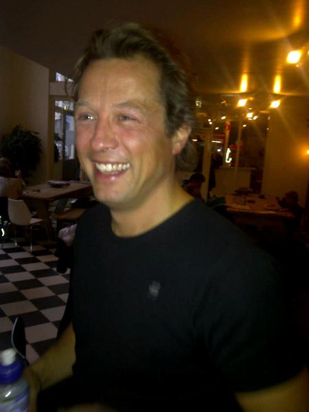 Robert (ex cisco)  nieuwe channel manager van f5.com vertelt tijdens dansen over het 'brilliante' bedrijf
