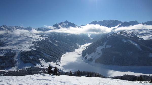 Prachtige skidag @ZillertalArena van #zell naar #koningsleiten met wolken in het dal @alpenweerman