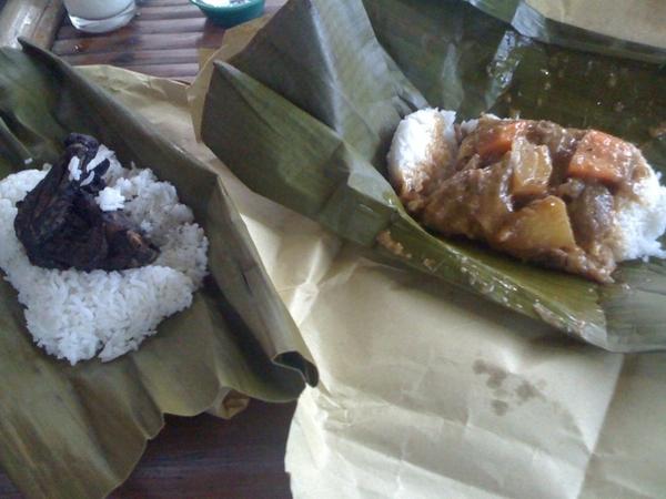 Kulma and chicken piyanggang at binalot! Location: http://j.mp/cPp3rb