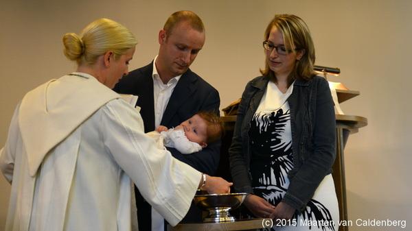 Vandaag werd mijn nichtje Fenna gedoopt