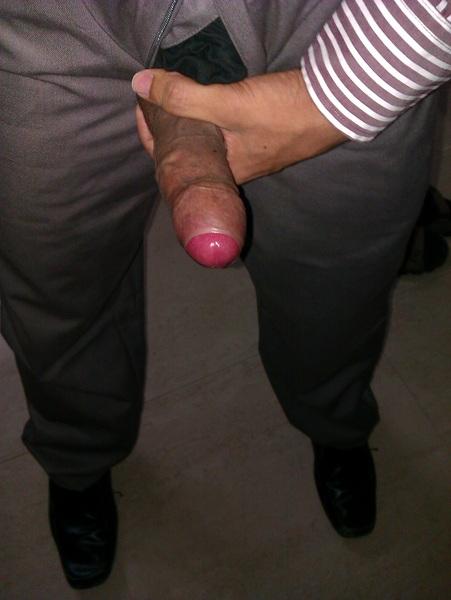 @staffs_naughty2 @HornyHousewife @LatashaGold69 @ImmaHoodChic  #office #horny