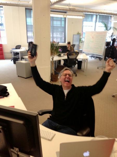 Dan Lyons receives his iPhone 5.