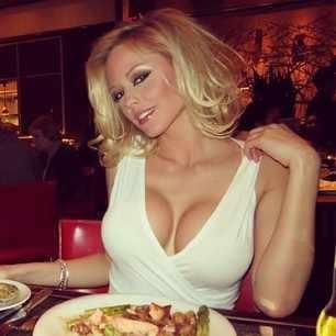 RT @LindsayMarie: XOXO  @SexyTwitPics SEXY!!!!!!! ;)  http://STPBabes.com