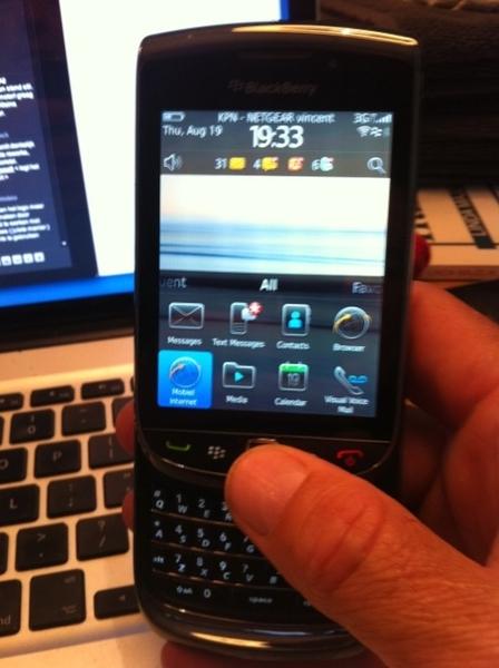 @colbyco95 ja ik heb de bb torch hier (zie foto). Ben eraan aan het wennen. Mooie browser, touchscreen & features