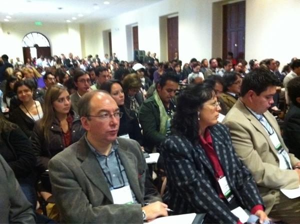 Sin duda hay 1 antes y después convocatoria #cumbre2011 evento de comunicación cc @Pabloponcec @divoskus