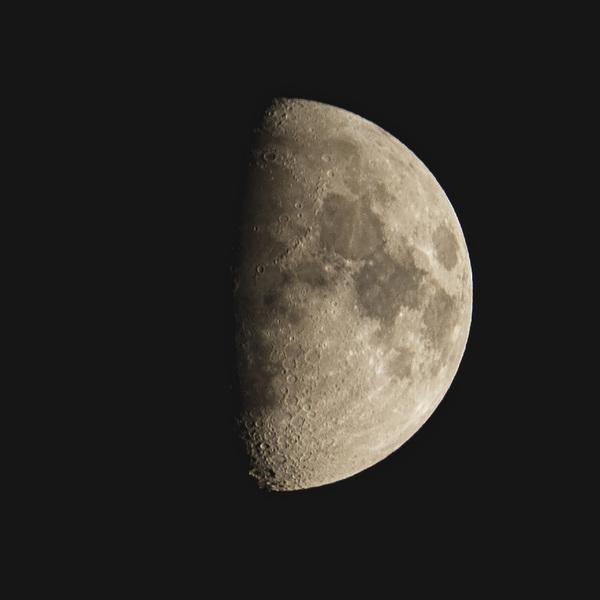 A bit misty tonight #Luna #moonwatch #bbcstargazing