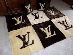 Karpet Lantai LV Warna Coklat