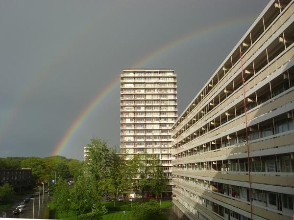 Fraaie regenboog na zware onweersbuien in Rotterdam-Ommoord op 9 mei 2014. #buienradar