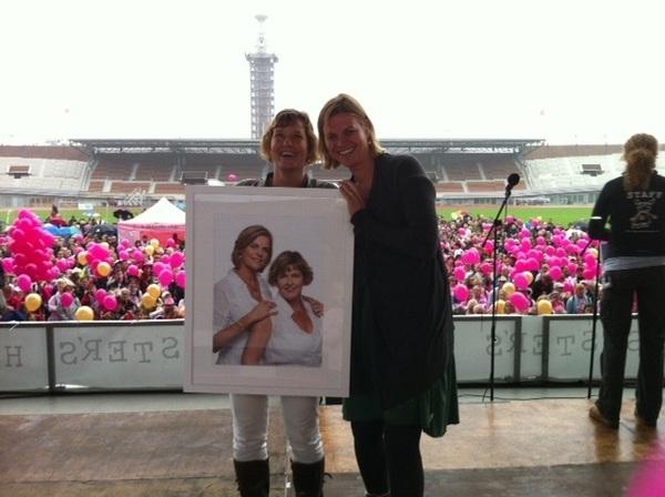 Very happy with #breastfriendsaward2011 #sistershope