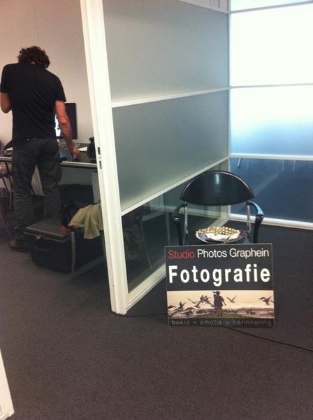 'Onze' mobiele studio van @franskanters is nog een uurtje geopend! Voor al uw portretten op de social media! #s2wmaanlander #welkom