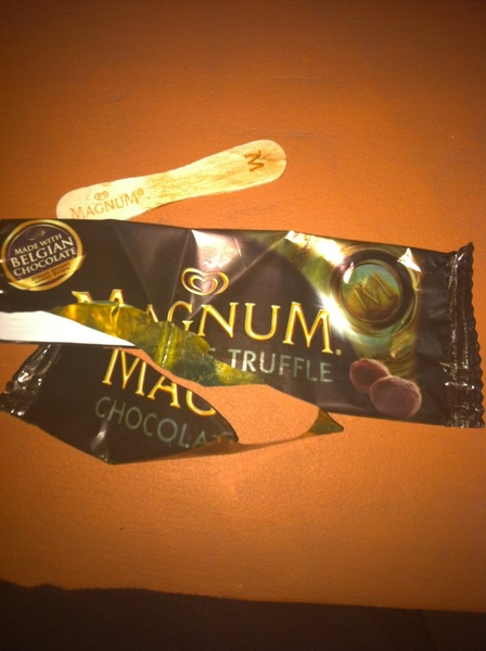 Haaay. Dahil jan. i ate #magnum na lng. Really fast. Tried the chocolate truffle this time. Yummm.