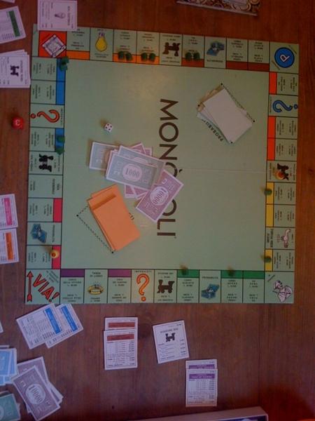 Playing Monopoli