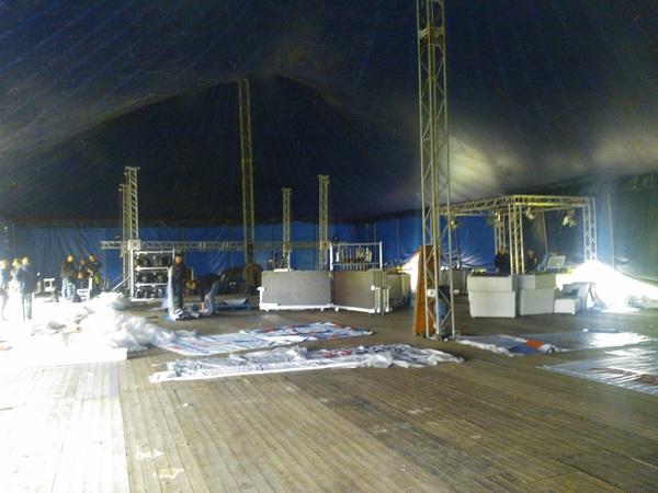 Welkom in de festivaltent van @rtvdrenthe op het bevrijdingsfestival in Assen! #lekkergroot