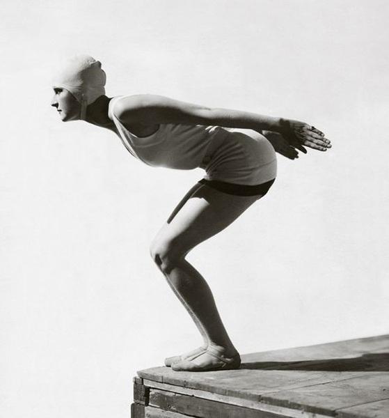 12/9/1968 – Muere en L.A. el fotógrafo d #moda George Hoyningen-Huene. Trabajó para @VogueParis y @harpersbazaarus